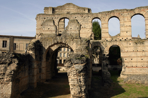 Roman ruins @ Palais Gallien, Bordeaux.  Once on the outskirts of the city, now in the suburbs!
